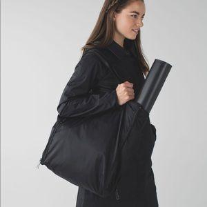 Lululemon Bring it Om gym bag